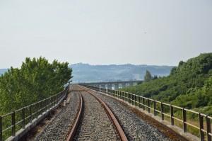 Un'immagine del viadotto di Castagnole delle Lanze
