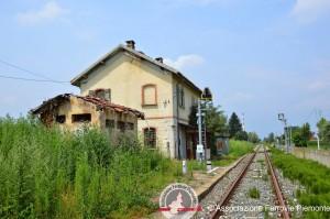 La piccola ed abbandonata stazione di Civalleri Canale