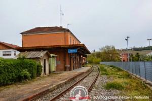 La stazione di Neive, non più adibita all'uso ferroviario da 4 anni