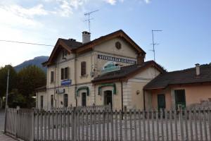 La caratteristica stazione di Luserna San Giovanni.